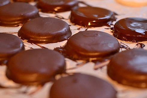 ... York Peppermint Patties » Peppermint-Patty-Chocolate-Dipped-Candy