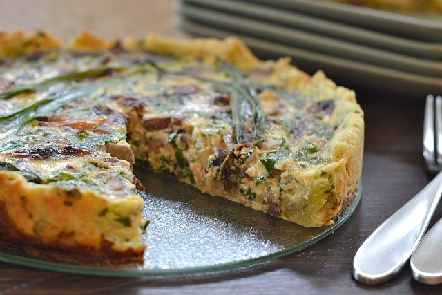 Kitchen tested rustic ramp mushroom quiche for Decoration quiche