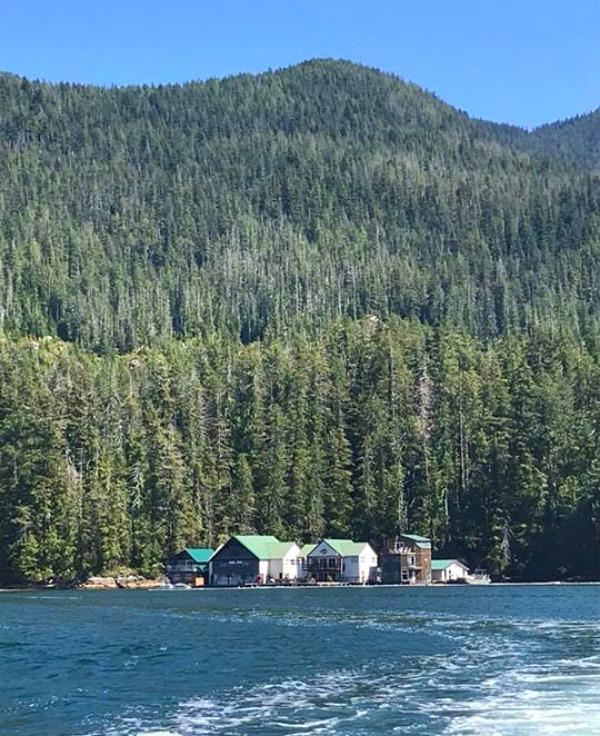 Nootka Wilderness Lodge