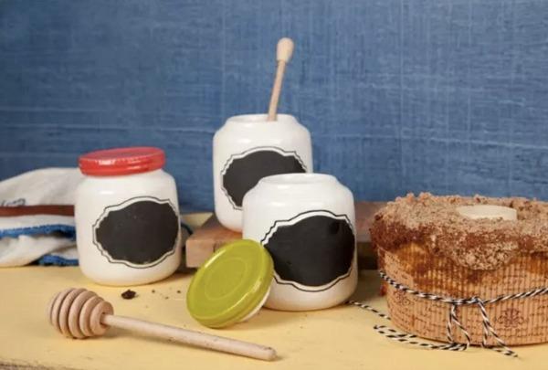 HONEY PECAN STREUSEL CAKE